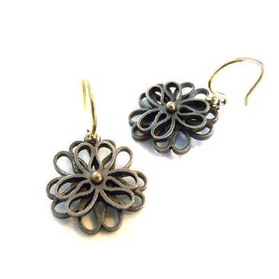 Gezwart zilveren oorhangers, dubbele bloem