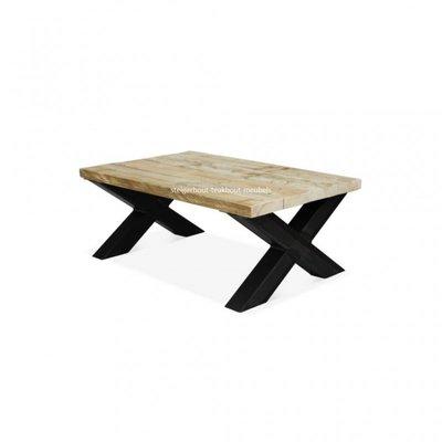 Steigerhouten salontafel met metalen X-onderstel